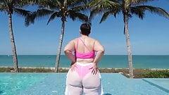Тропическая мода, новая кривая в бикини!