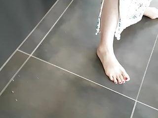 Sexy black women barefoot Teen sexy voyeur feet foot barefeet barefoot toes shoes