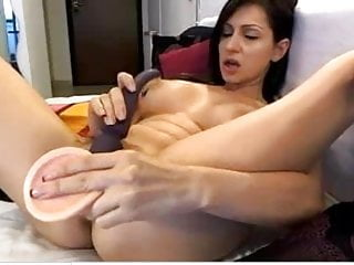 Amatuer sex vide - Milf spreads and uses vide and dildo to cum