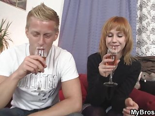 Guy fucks brothers girlfriend Foxy brothers girlfriend spreads legs for him