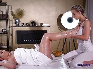 Betsy johnson parasol skirted bottom Massage rooms ellen betsy fingers and licks busty blonde
