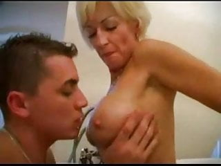 Hentai fantastic four Mommy with fantastic body with young guy