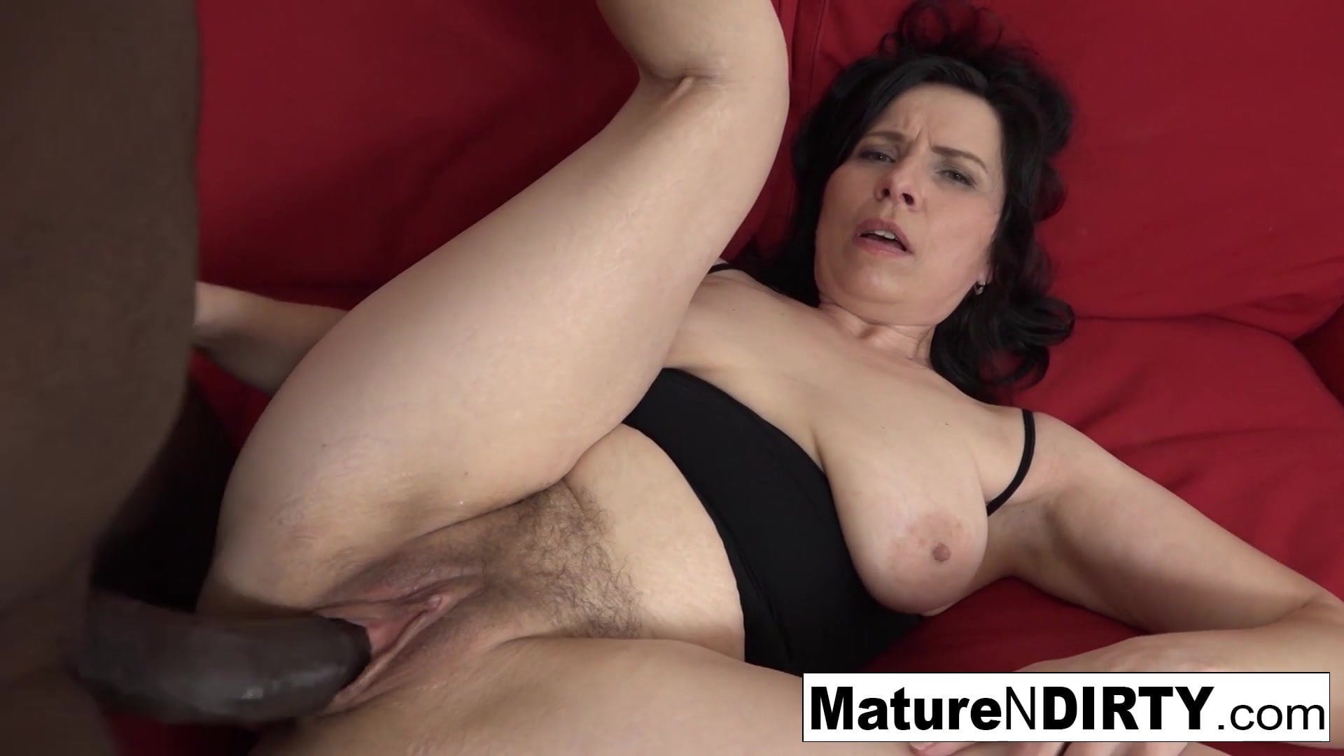 Mature With Natural Tits Gets A Creampie In Her Hairy -4887