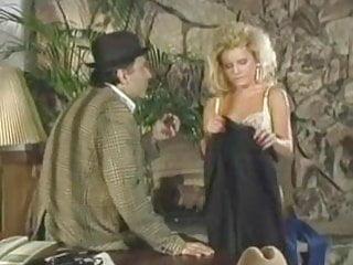 H upmann vintage cameroon cigar Nina h seduces younger girl...vintage f70