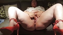 Big woman with divine legs masturbating with her hand
