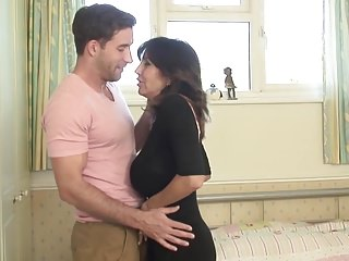 Old fucking young free videos - Posh mature mom fucking young guy