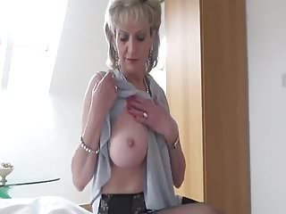 S milf Hot naked