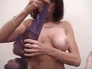 Does cuban bee do anal - Mature head 93 ho bag doing what she does best