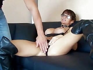 Sexy luxury leather boots Milf in leather boots has anal sex