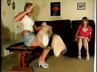Mom spanks porn - Spanking classic-over moms knee
