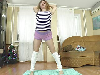 Gymnast upskirt - Flexible teen elzaflex do gymnastic and masturbate