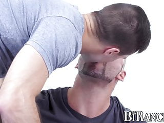 Hung hunks having sex - Hung hunk pounding his man before banging tight pussy