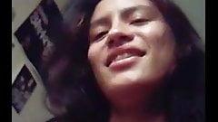 インド人毛深い女の子が彼女の彼氏に犯される