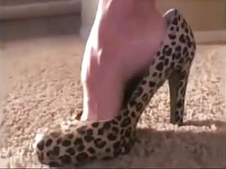 Drinks cum from condom - Mom drinks cum from her favourite new shoes.