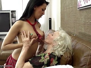 Free lesbo mothers fucking Old sexy grannies fuck young lesbo girls