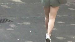 Jiggly bumbum em calças curtas
