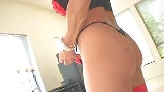 Fit milf' sex workout