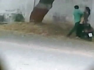 Mobile foreskin sex Lyari karachi pakistan side road sex caught from mobile