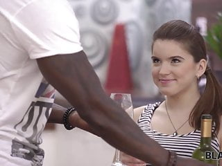Gia darling fucks girl guy - Black4k. evelina darling comes to black guy and they get...