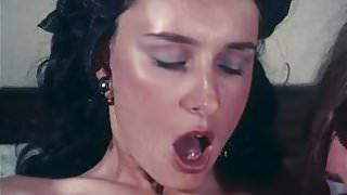 sucking start  - vintage loop ca. 1970 erotic hairy girls