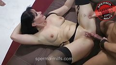 Insatiable man eating Sperma-Milf Angie