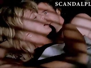 Goldie hawn lesbian kissing Goldie hawn sex scene on scandalplanet.com