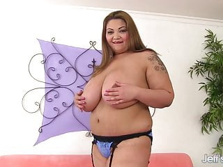 Linda lingle is gay - Monster tits asian plumper miss lingling plays with herself