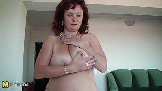 Busty amateur old stepmom getting wet on her bed