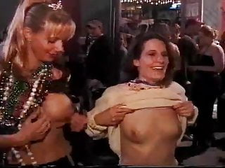 Married woman sex on the side Married woman flashes on the street, then shows everything