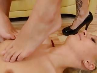 Lesbian foot wroship - Lesbian foot fetish with hot pissing