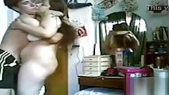 Il giovane ragazzo iracheno scopa la sua vecchia fidanzata
