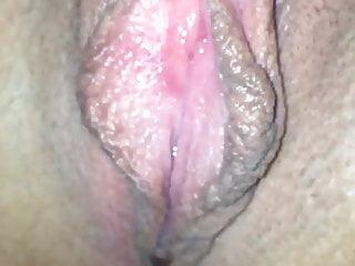 Nice big wet pussy - Nice wet pussy with big meaty labias