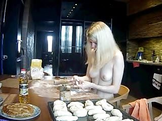 Kristy lee cook nude pics - Snr she is cooking nude 2