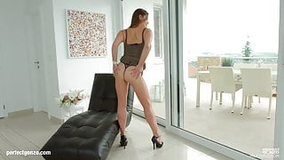 Cathy Heaven mature hottie gets gonzo hardcore sex by MILF