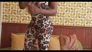 Shemale fucks big titty ebony female
