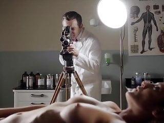 Evi quaid nude pictures Lizzy caplan, rachelle dimaria, amanda quaid - mos s4e3