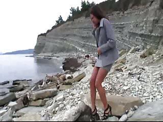 Woman who pee standing Girls who pee outdoors