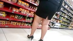So sexy chubby legs and heels