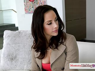 69 pleasure - Pussylicked milf pleasures her stepdaughter