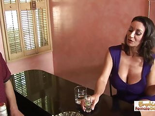 Cleavage busty Barman cant resist this cougars huge cleavage