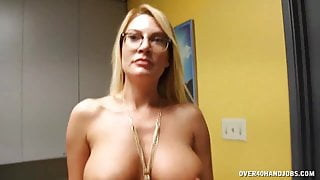 Mature Lady Comes To This Cum Spa To Stay Looking Good