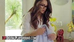 Sofie Reyez, Gabriela Lopez - лижет свою госпожу - Digital