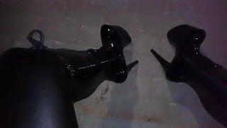 night stroll in my 8 inch platform boots