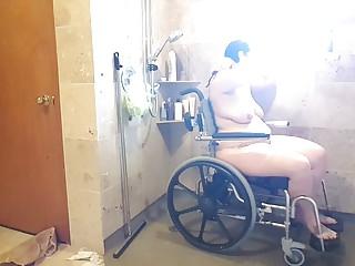 Men shower nude Para shower nude