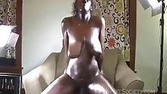 Very oiled African couple fucking intensely