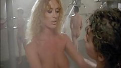 Linda Blair, Sybil Danning, Sharon Hughes... -Chained Heat