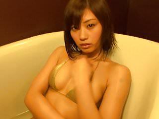 Nude gold diggers - Hitomi - oiled up gold bikini non-nude