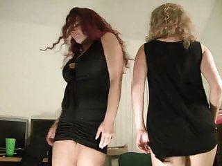 Girl shaking ass video White girls shaking ass 2