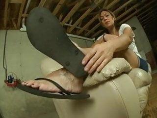 Wrinkled krylon paint sucks Mature wrinkled feet in flip flops