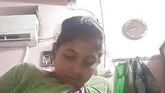 Bhabhi show her pusi